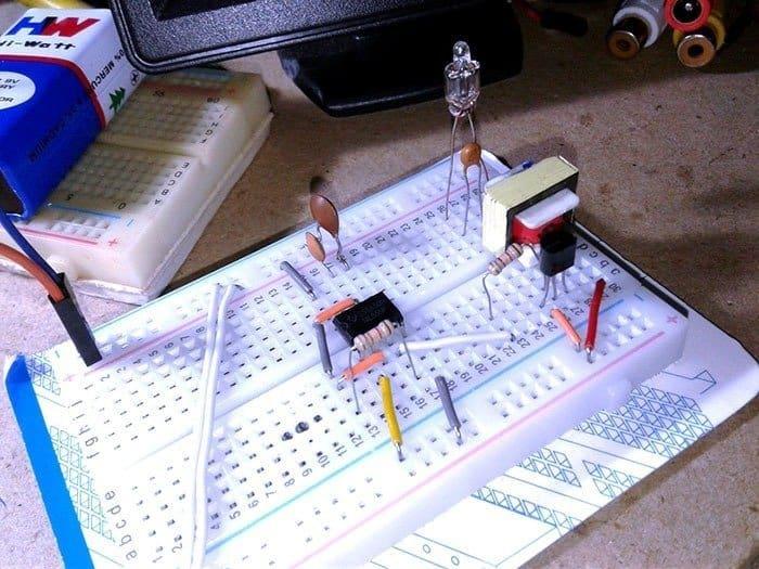 Neon Glow Bulb Tester-Breadboard Model Idle