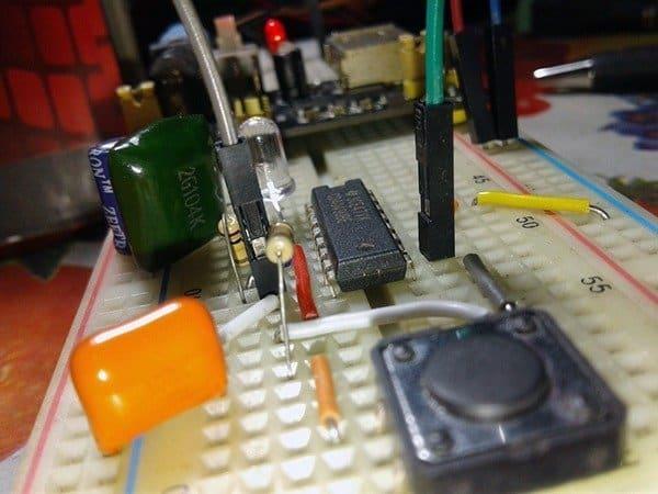 CMOS Toggle Switch 5V Breadboard